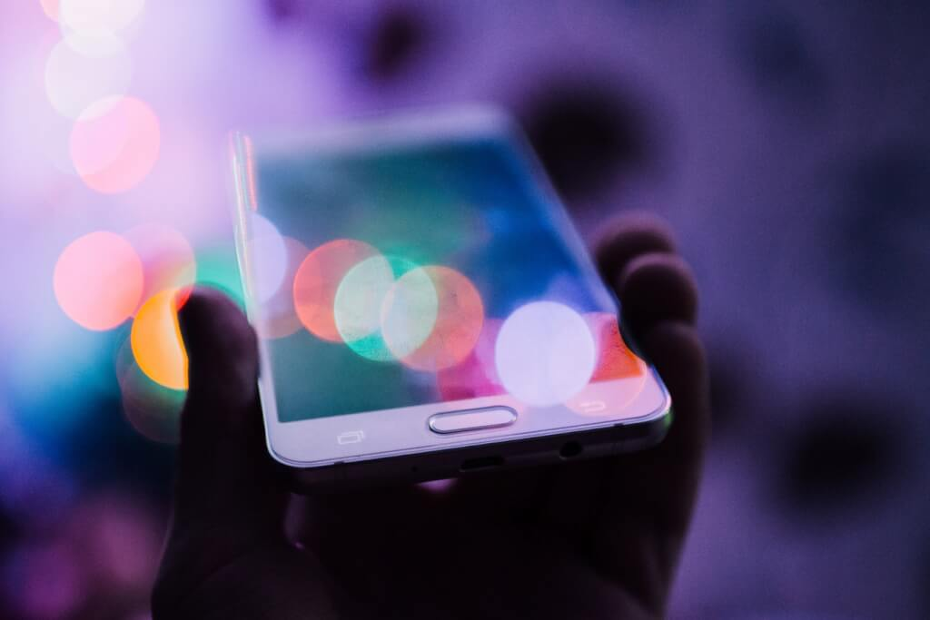 Smartphones: Today's Ubiquitous Training Delivery Platform
